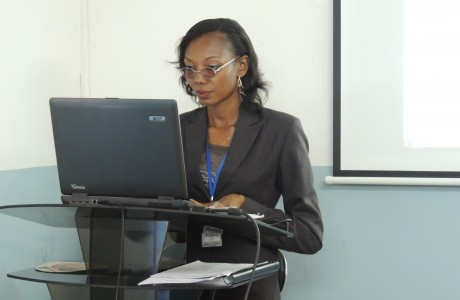 Desola Oguntayo, Assist. Mgr. (Audit & IT), delivering training at the Sage 50 Consultant Technical training